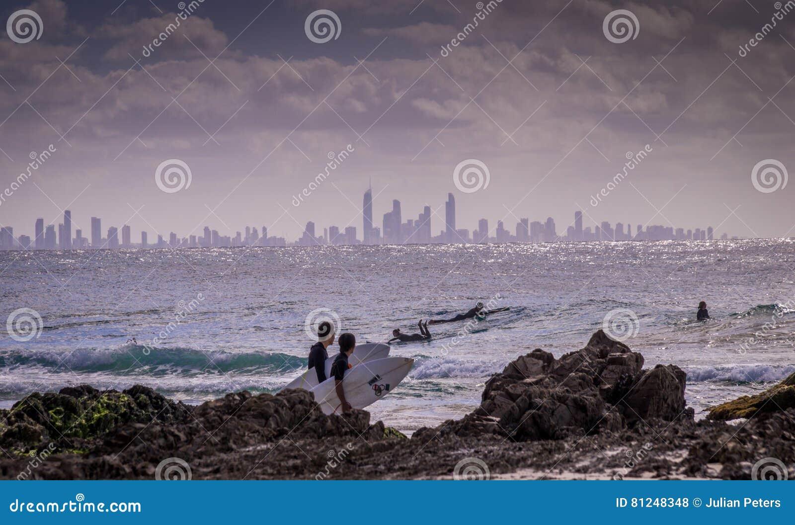 Het surfen bij Surfersparadijs