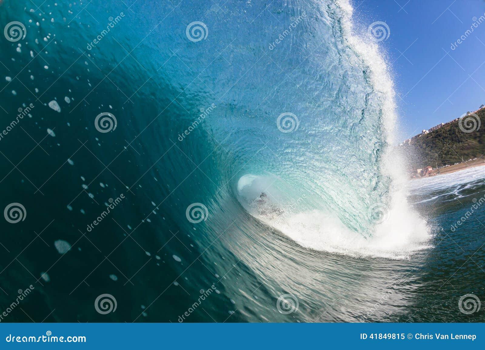 Het surfen doet Binnen Blauwe Holle Verpletterende Golf teniet