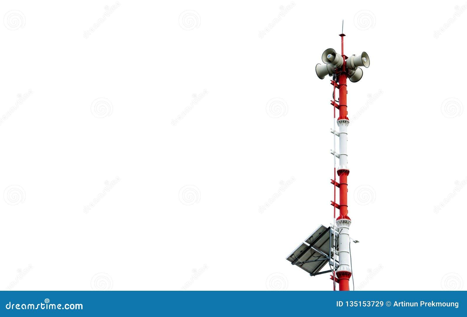Het systeem van de Tsunamiwaarschuwing Uitzendingstoren met zonnepanelen Pool van Tsunami-waarschuwingssysteem bij strand De waar