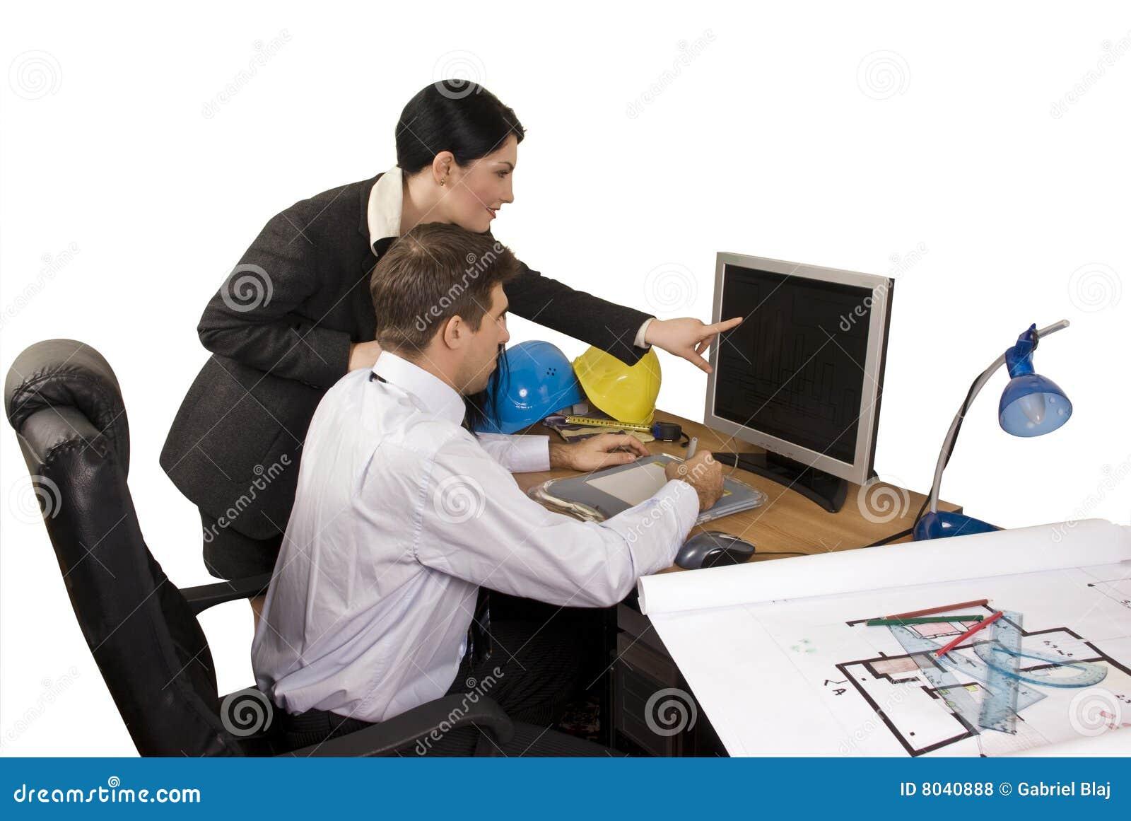 Het team van de architect in bureau