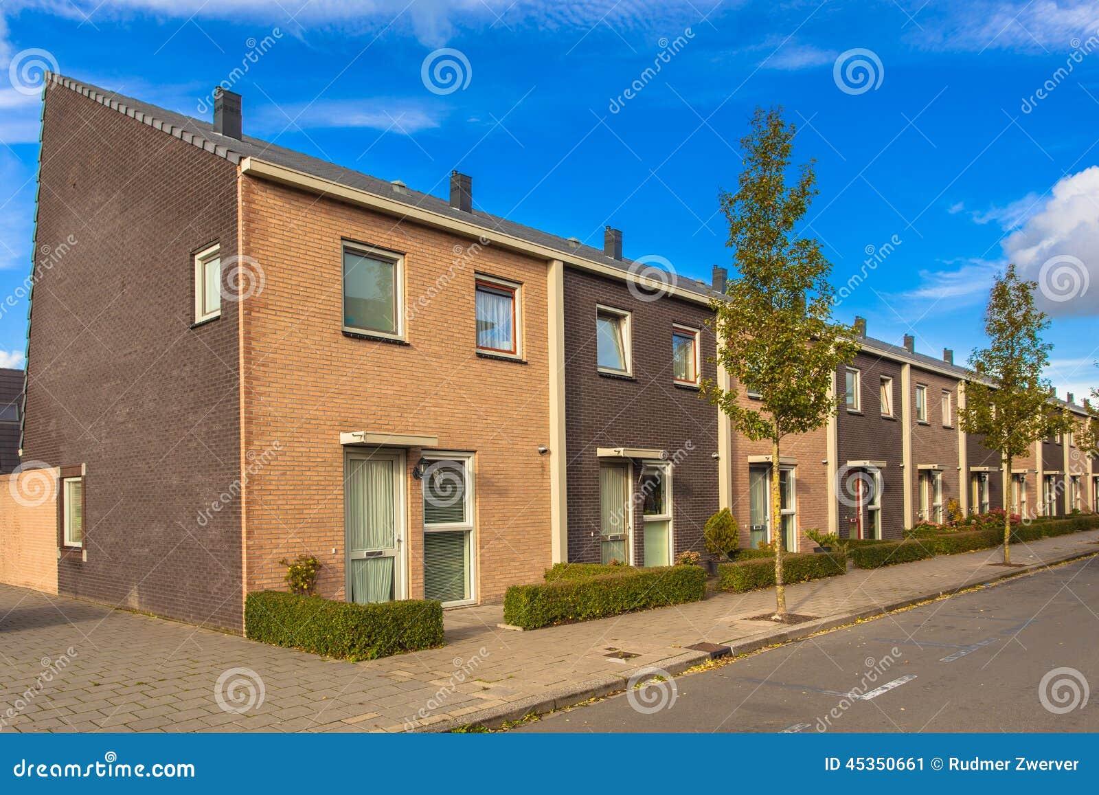 Het terras huisvest straat stock afbeelding afbeelding bestaande