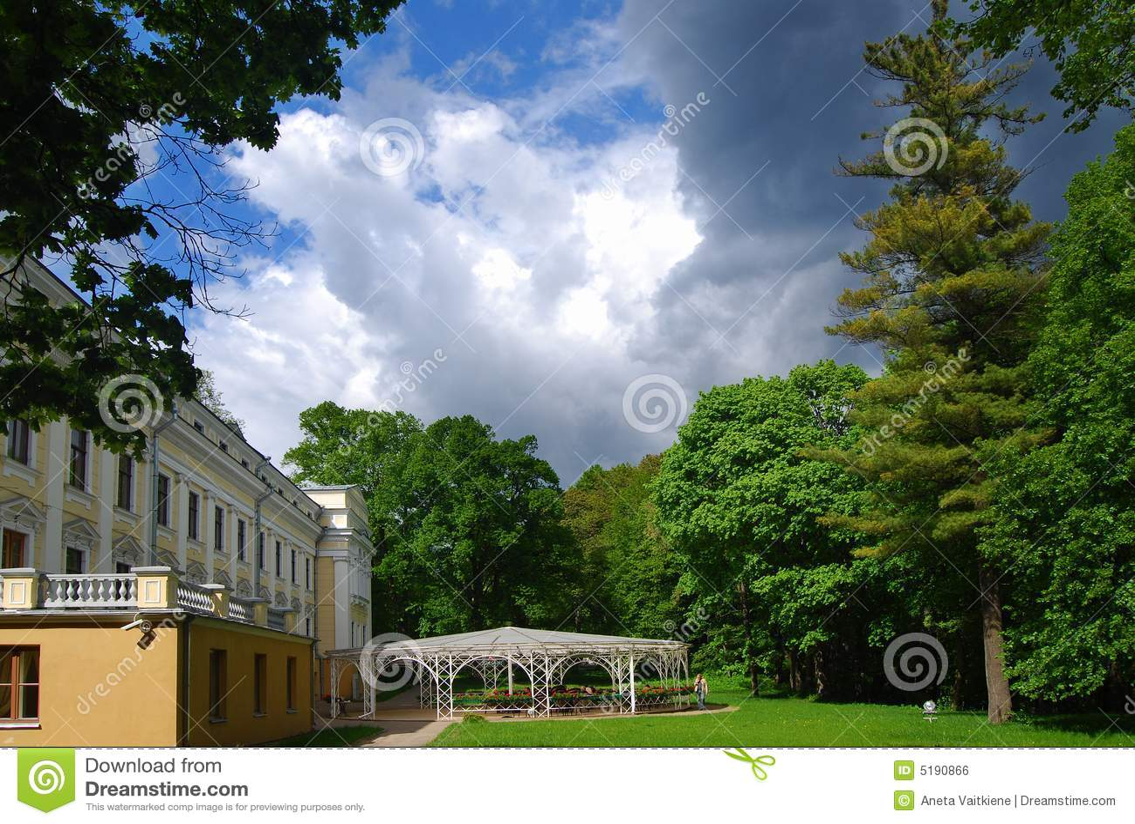 Het terras van het restaurant stock foto afbeelding 5190866 for Lay outs terras van het restaurant
