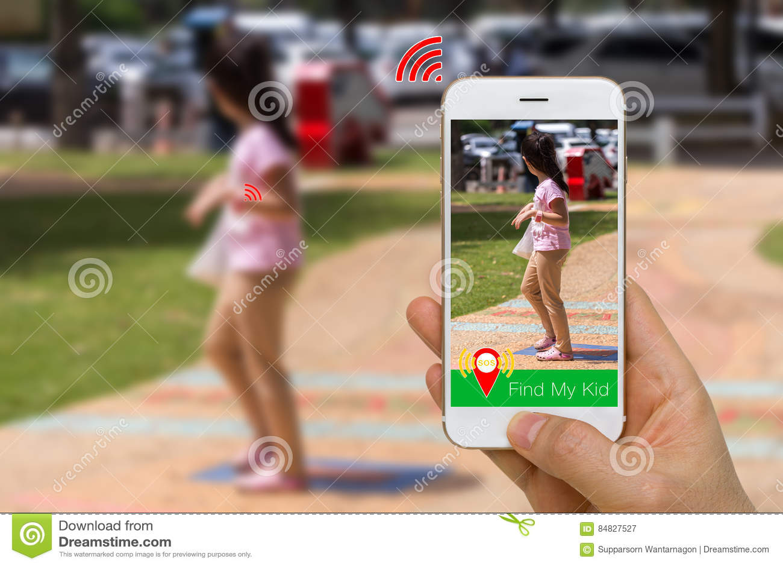 Het toepassingsconcept Smartphone App en Slim Horloge samen om te vinden verloor Jong geitje Gebruikend Draadloze Communicatietec