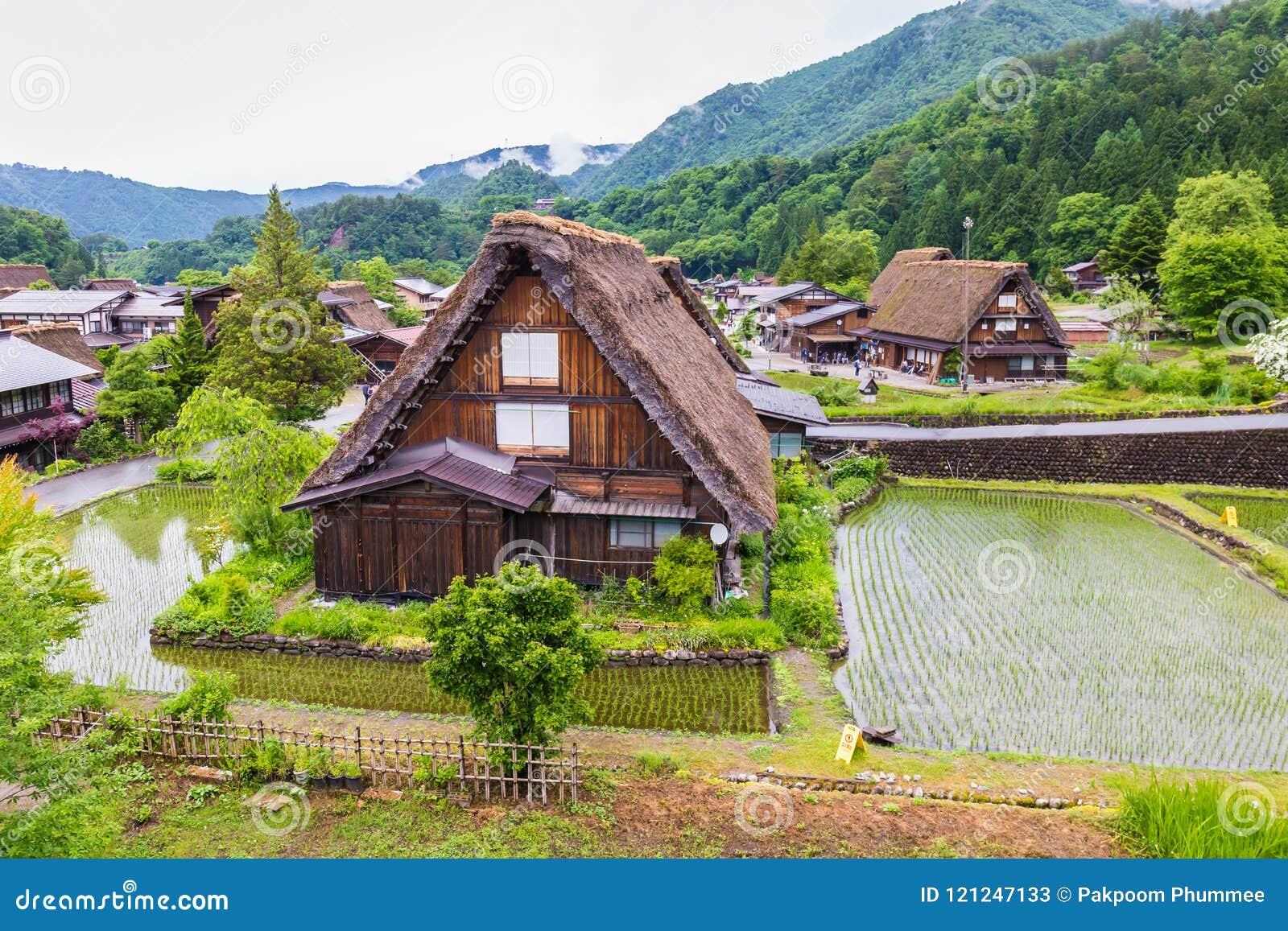 Het traditionele en Historische Japanse dorp Shirakawago in de Prefectuur Japan, Gokayama is van Gifu ingeschreven