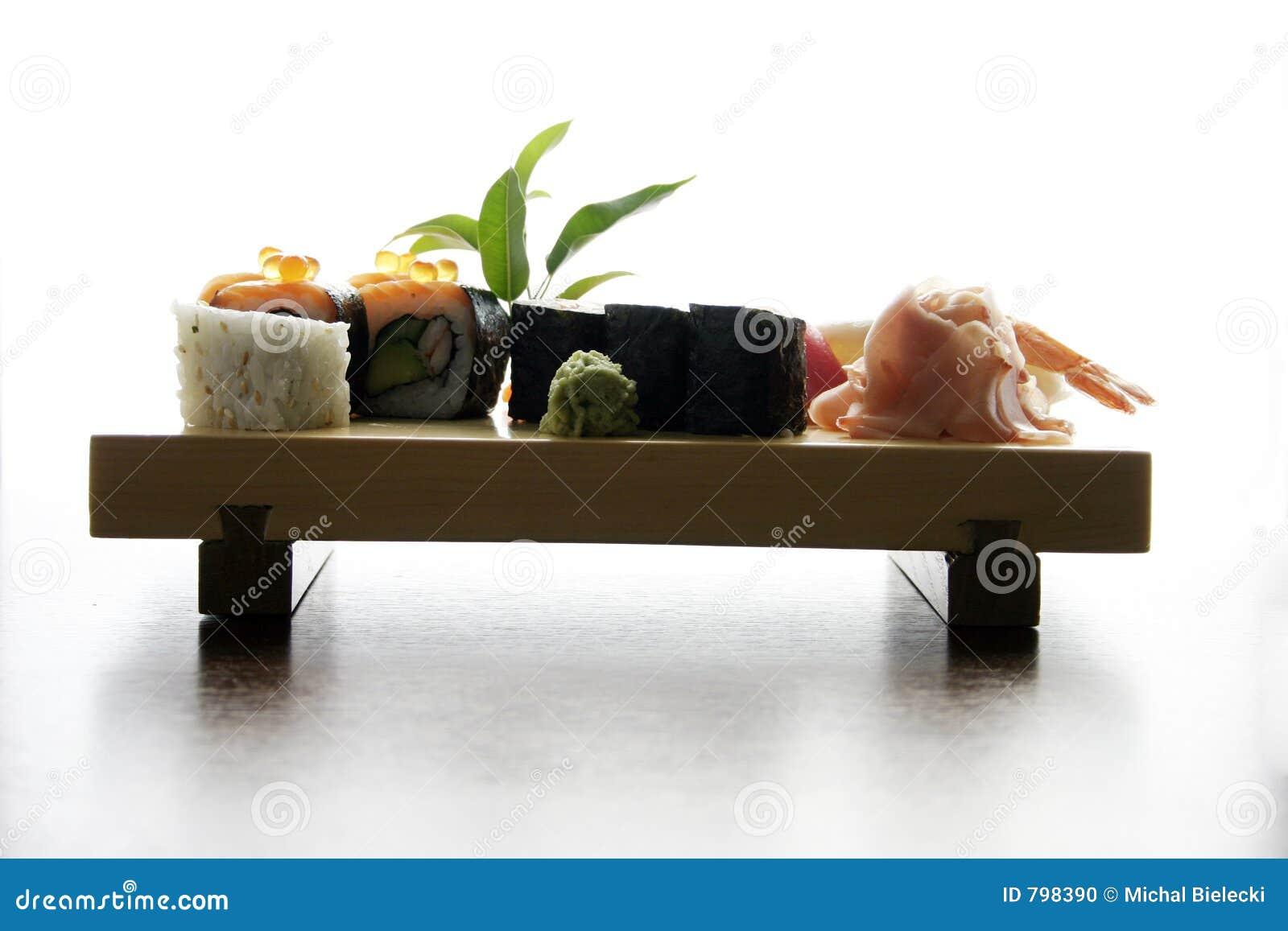 Het traditionele Japanse voedsel van sushi