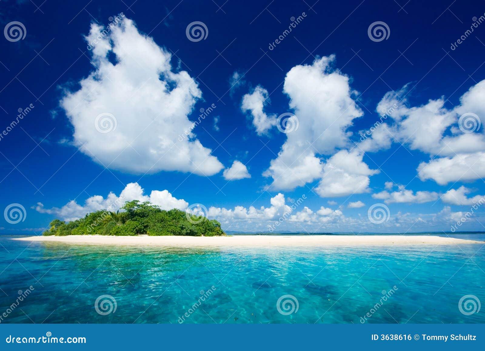 Het tropische paradijs van de eilandvakantie