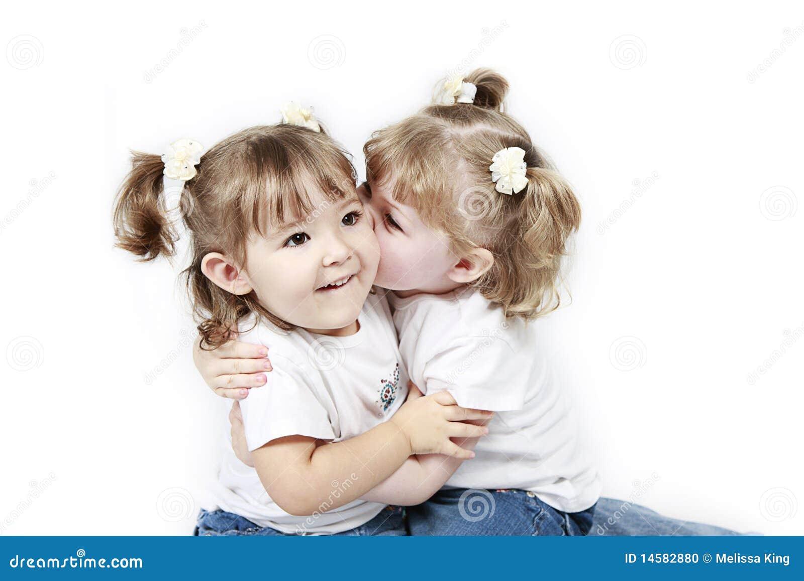 Kussen Voor Peuter : Het tweeling peuters kussen stock foto afbeelding bestaande uit