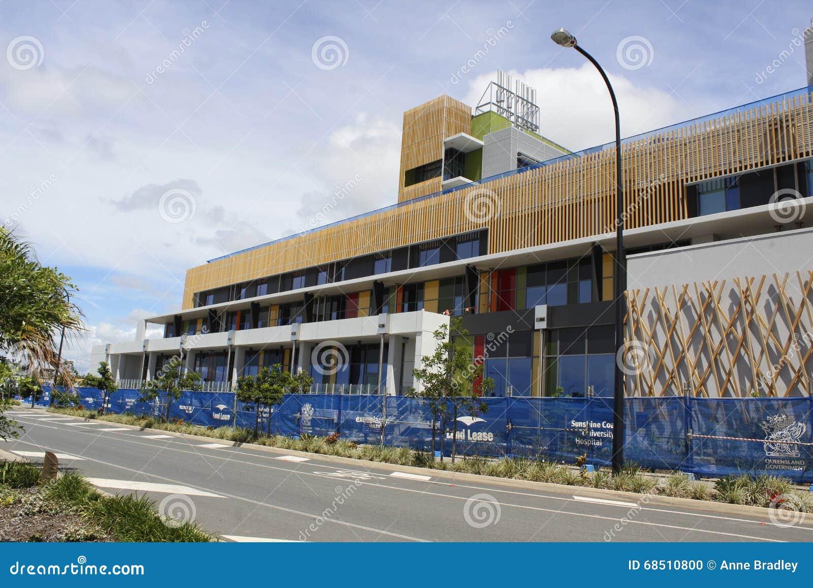 Het Universitaire Ziekenhuis van de zonneschijnkust in aanbouw