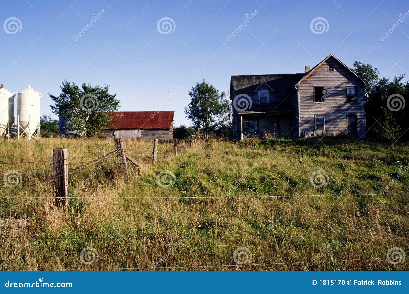 Het verlaten huis van het landbouwbedrijf stock foto afbeelding 1815170 - Huis van het wereldkantoor newport ...