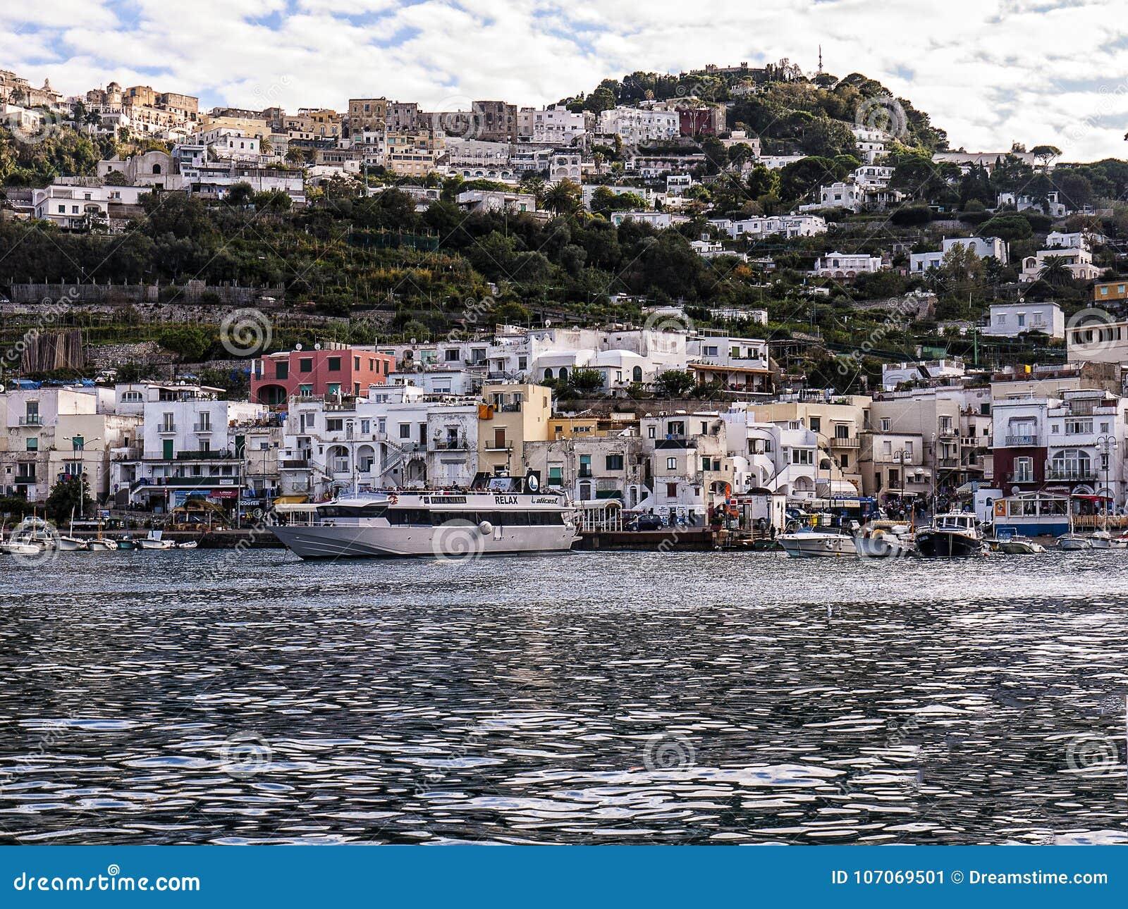 Het verlaten van de Haven van Capri