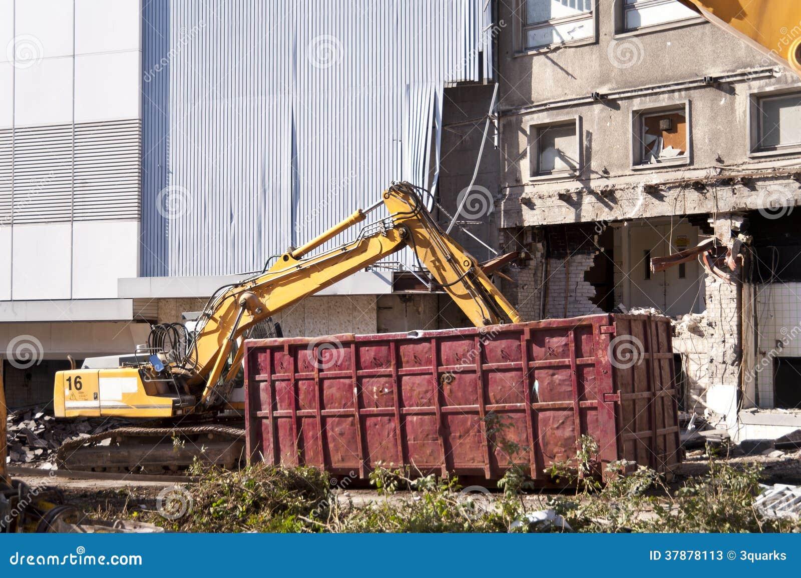 Het vernietigen van de bouw