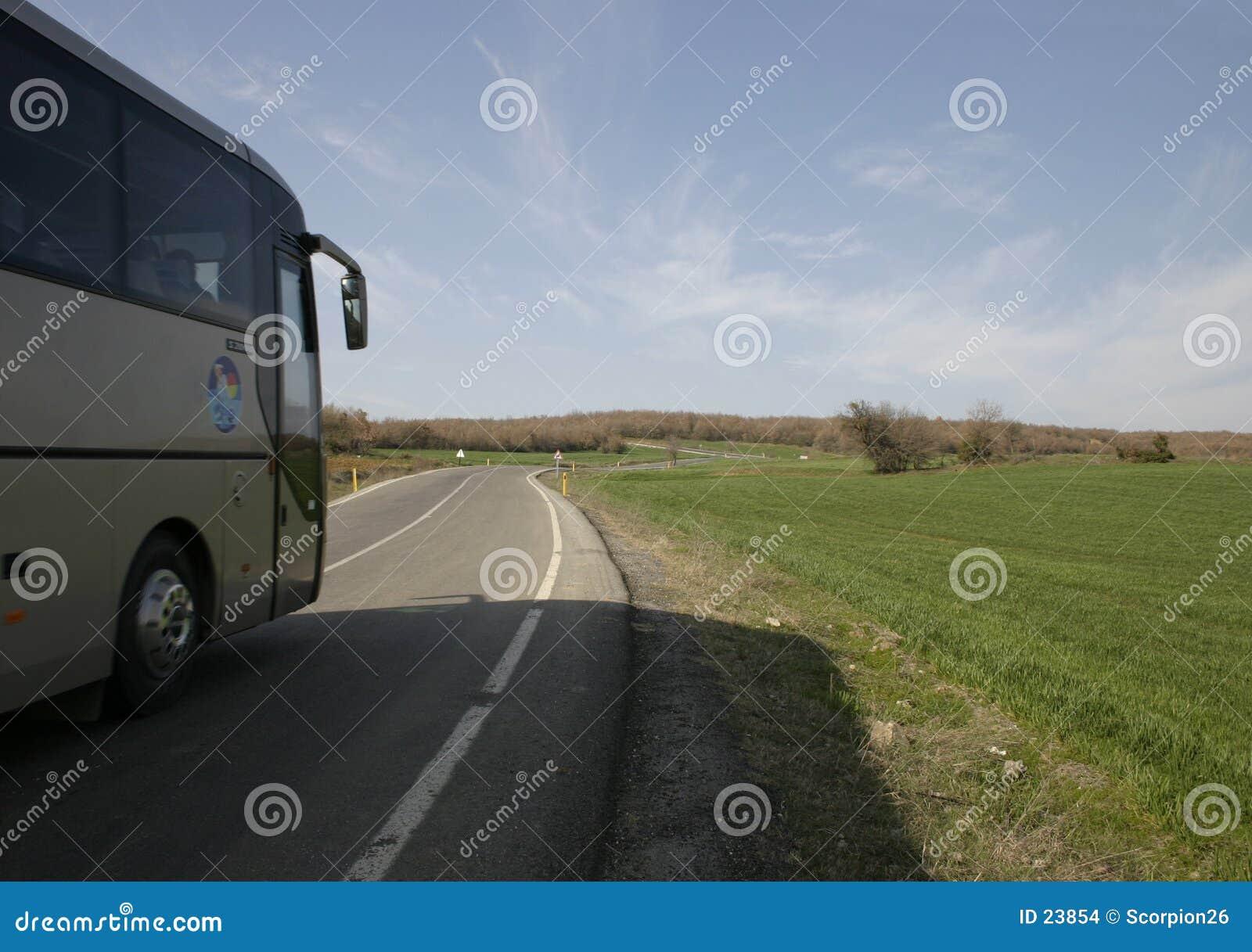 Het vervoer van de bus