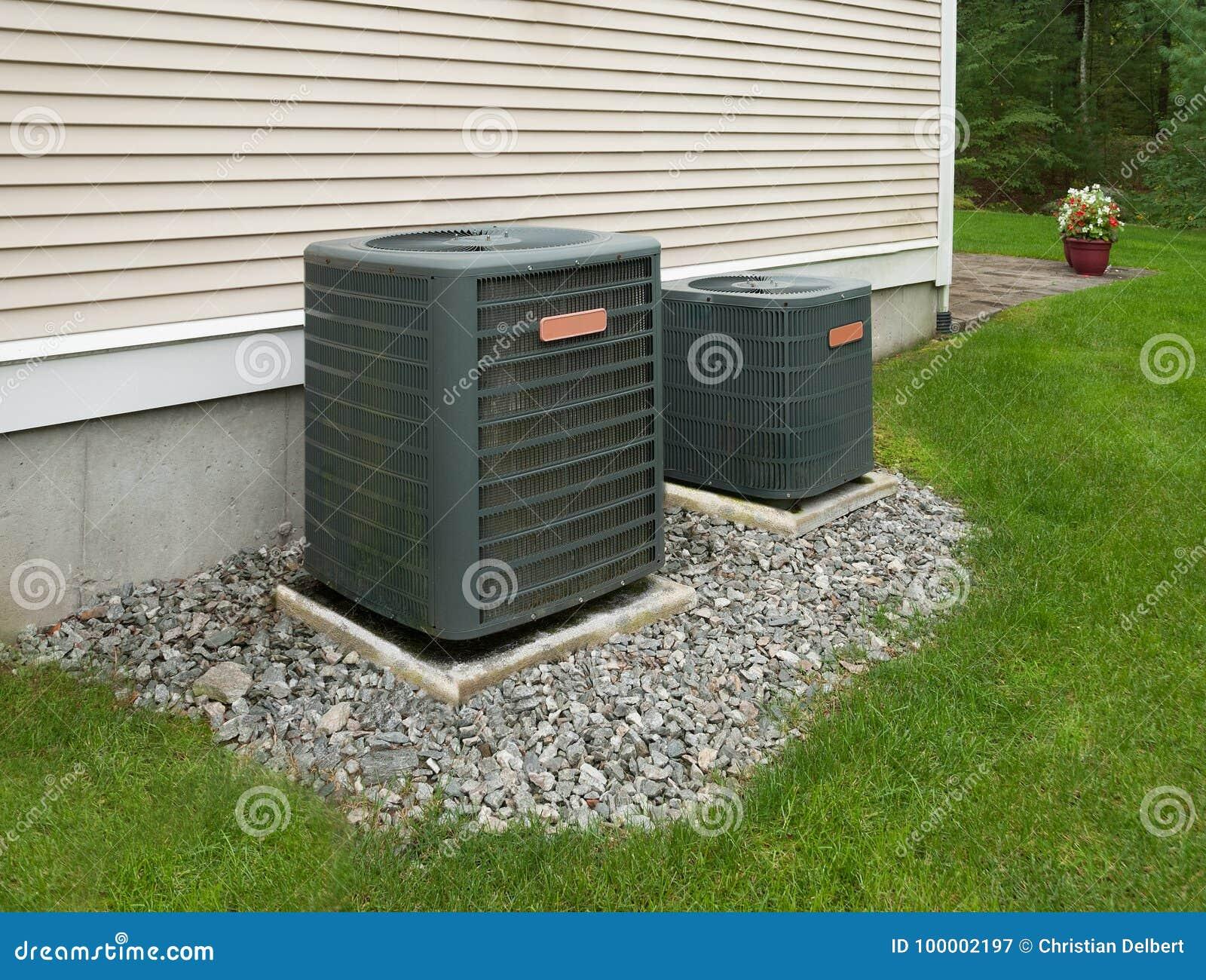 Het verwarmen en airconditioningseenheden