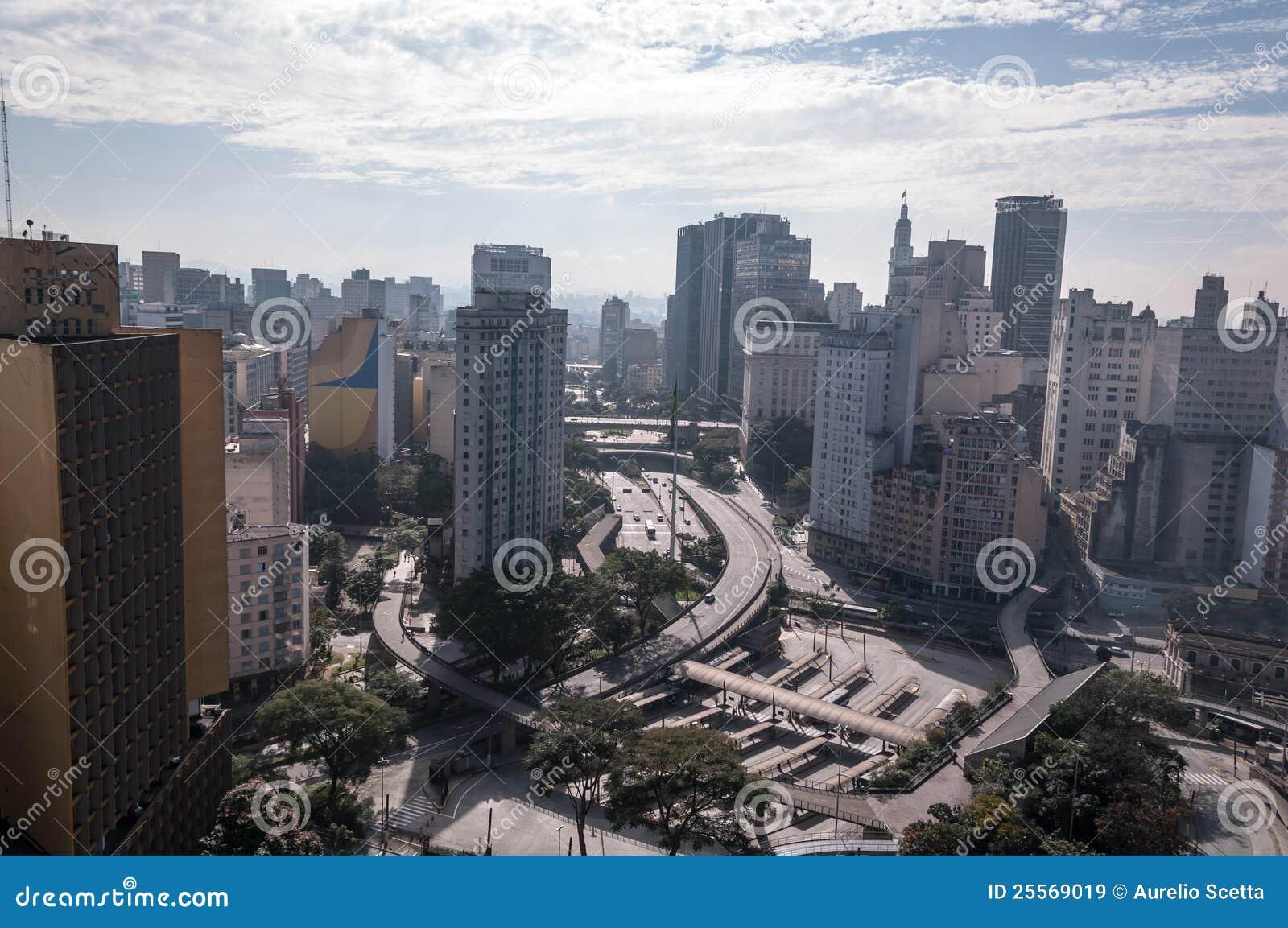 d8421d58d8 Het Vierkant Van De Vlag In Sao Paulo Van De Binnenstad Stock ...