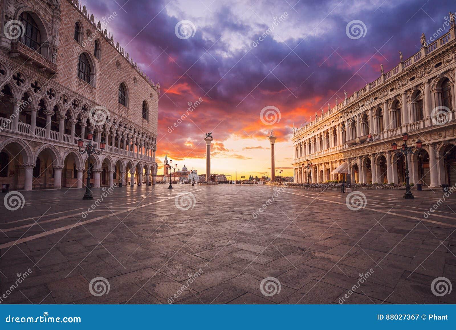 Het Vierkant van San Marco in Venetië Italië