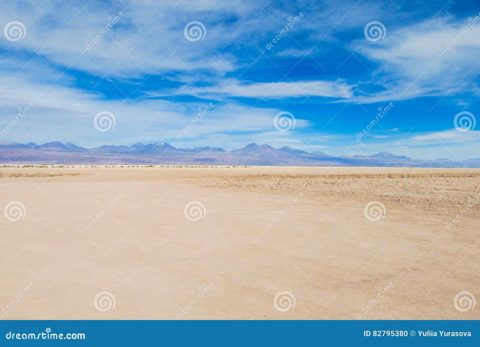 Het vlakke land van de Atacamawoestijn