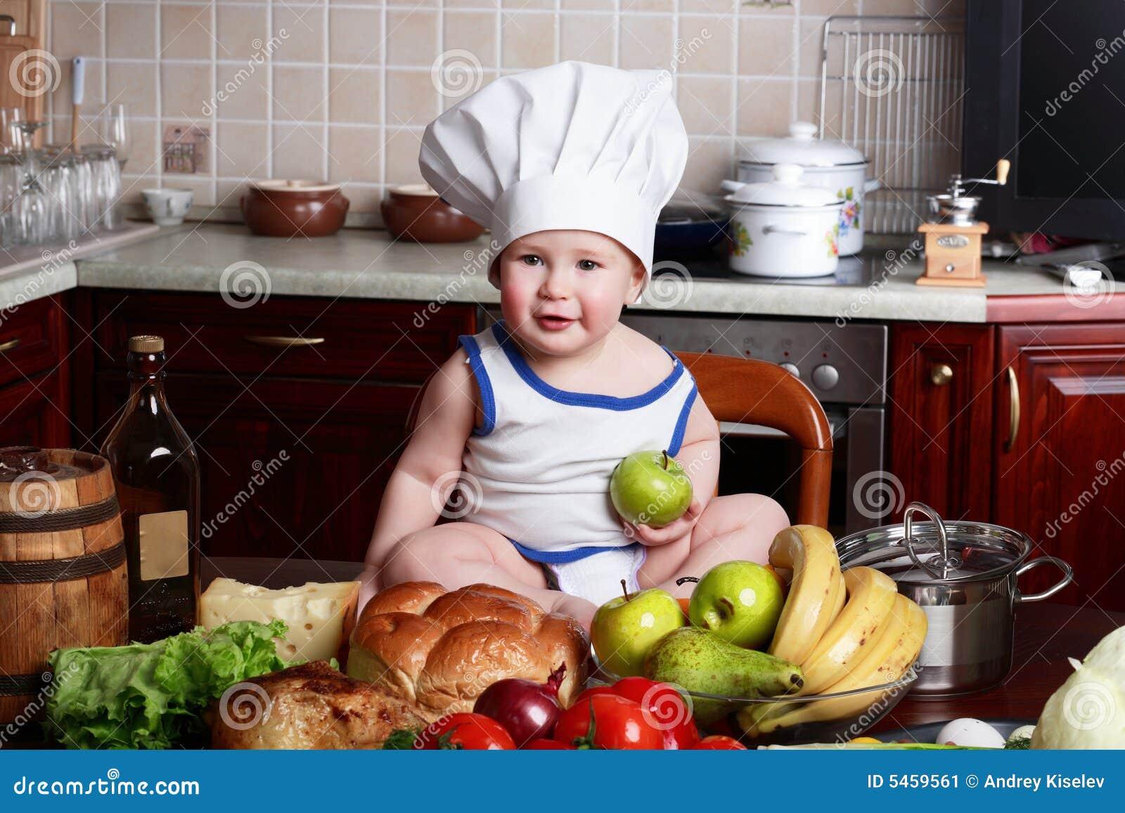 Het voedsel van de jongen
