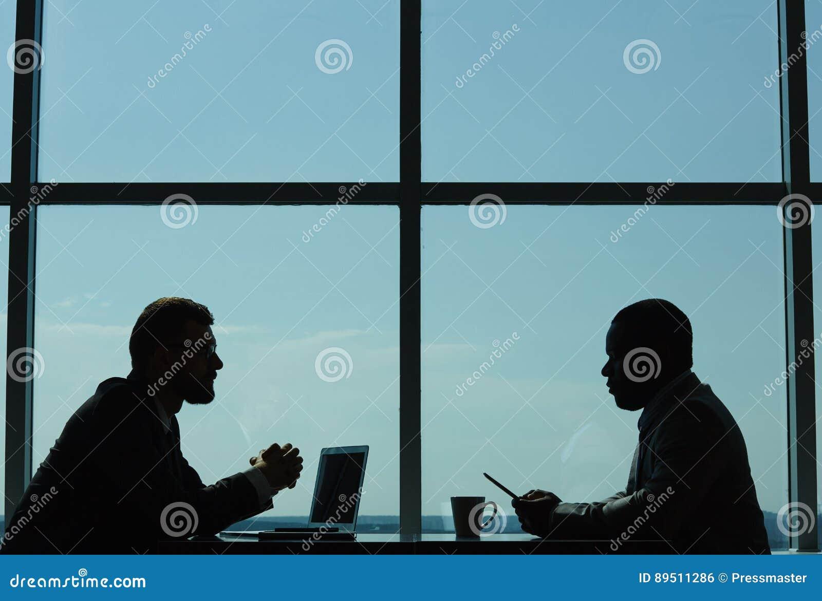 Het voeren van Onderhandelingen in Moderne Bestuurskamer