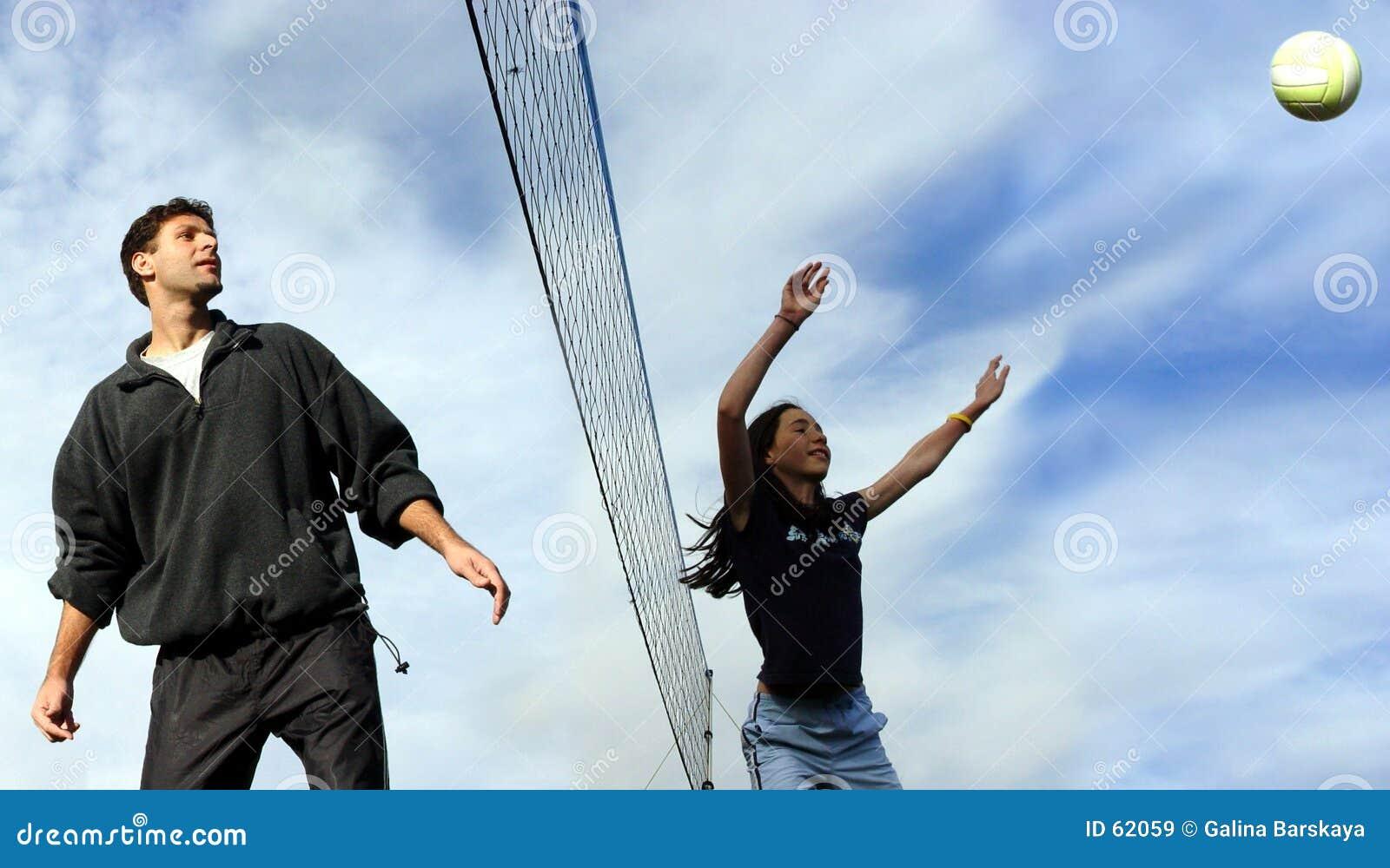 Het volleyballspelers van het paar