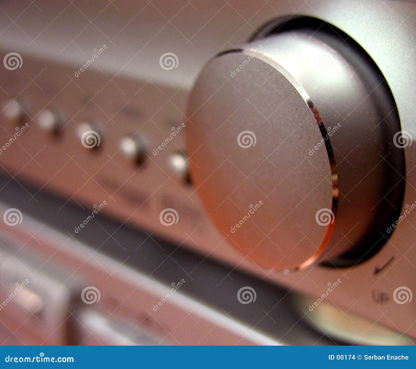 Het volumeknoop van Amplituner
