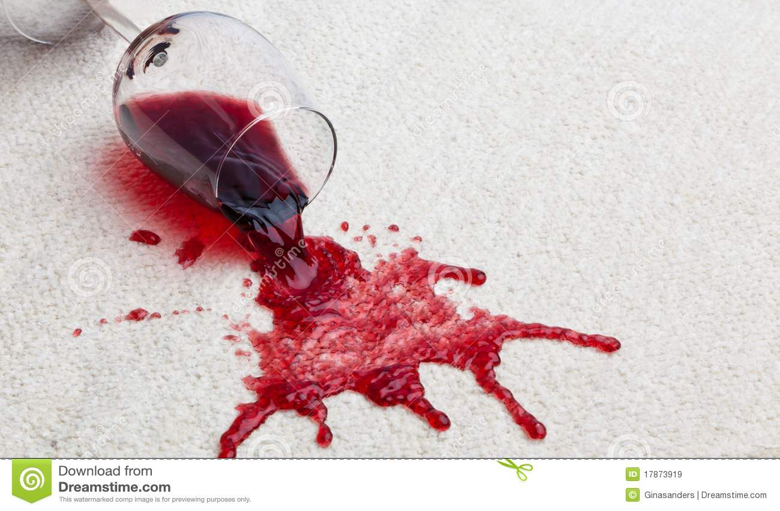 Het vuile tapijt van het rode wijnglas.