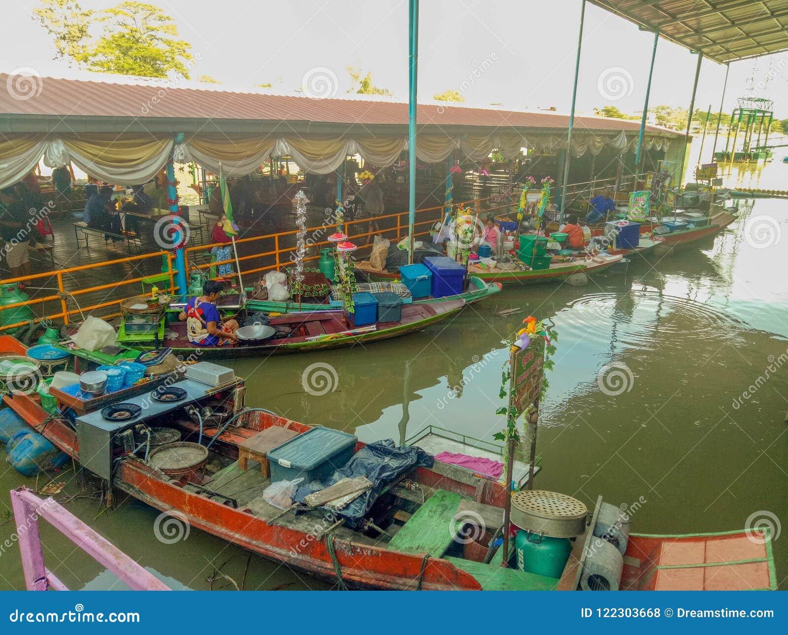 Het watermarkt van Thailand in een Ayutthaya