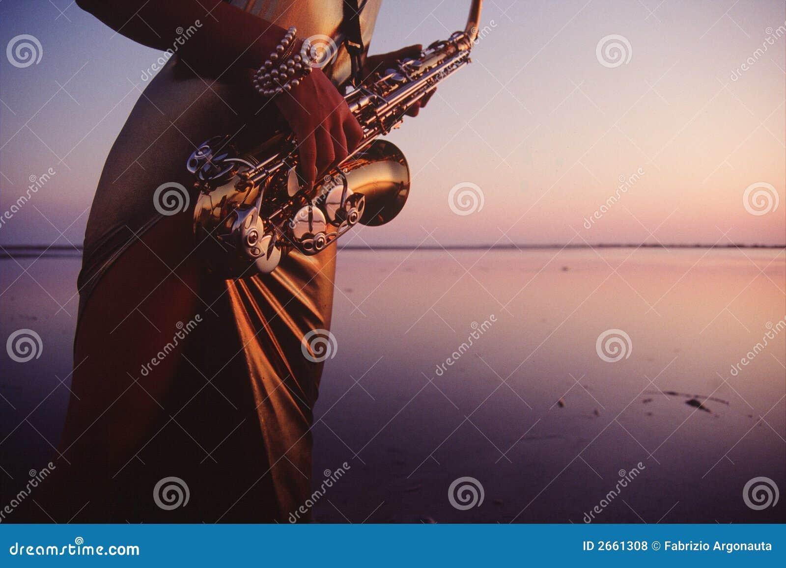 Het watermelodie van de saxofoon