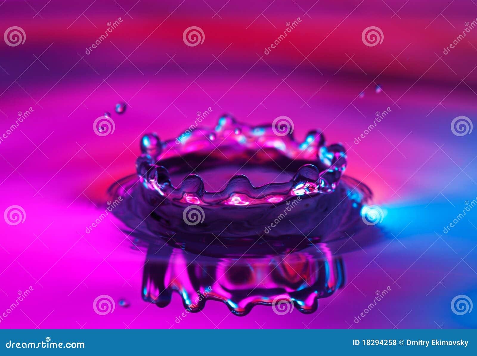 Het waterplons van de kroon