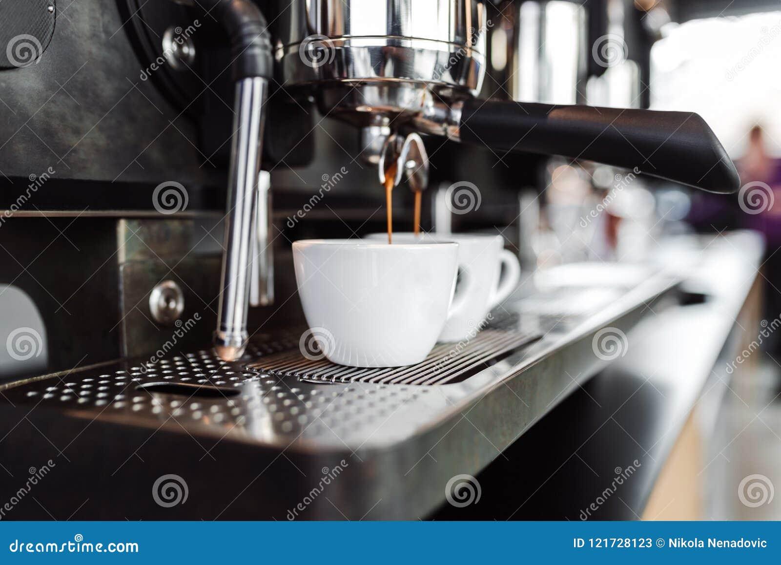 Het werk en het binnenland van de koffiewinkel