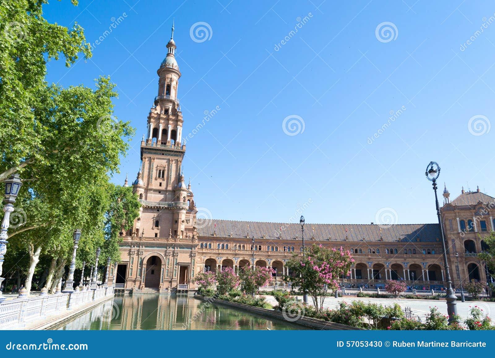 Het westenkant van het Vierkant van Spanje in Sevilla