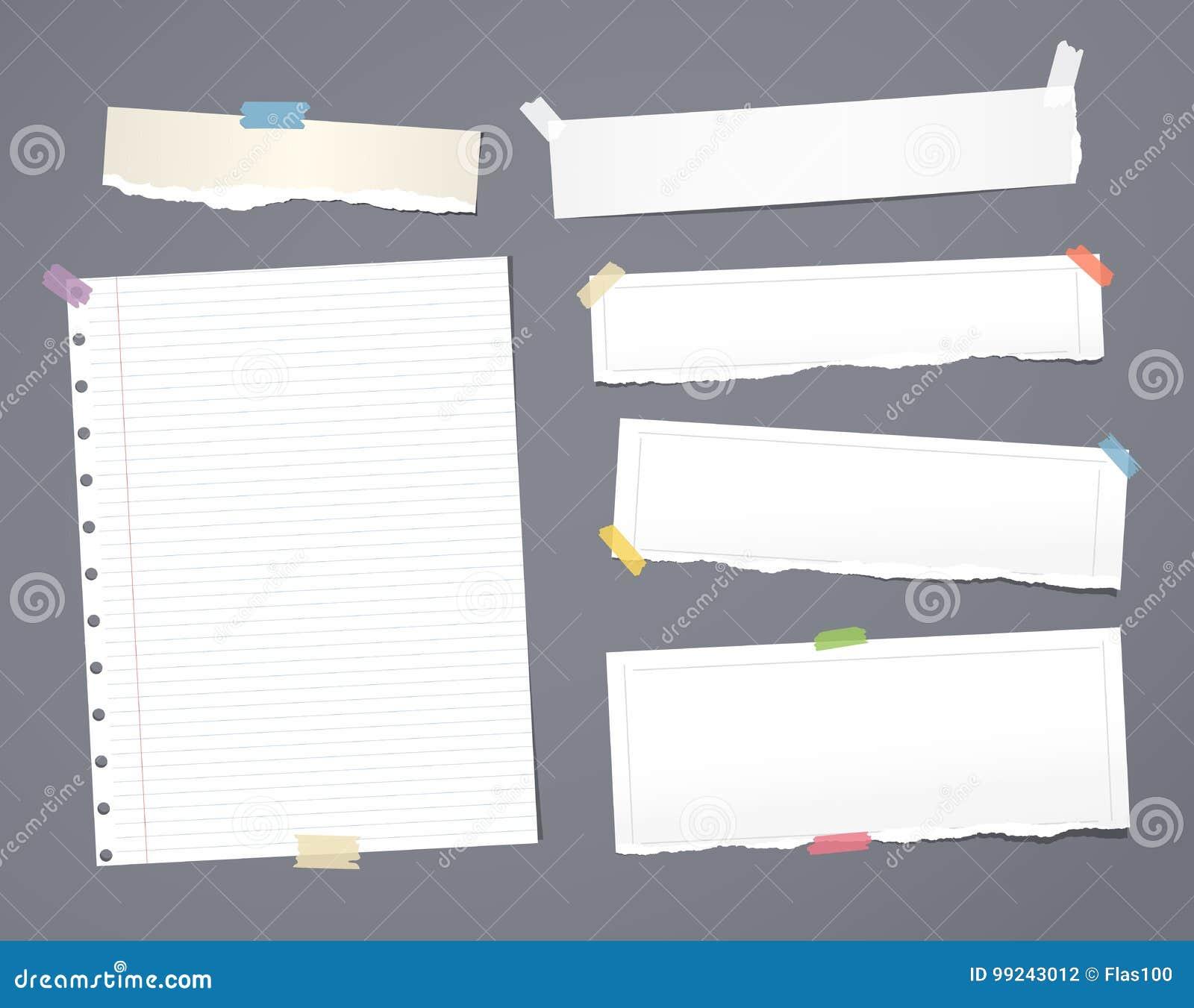Het witte gestreepte notadocument, voorbeeldenboek, notitieboekjeblad plakte met plakband op donkergrijze achtergrond