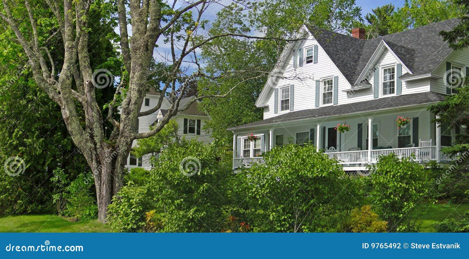Het witte huis van new england stock fotografie afbeelding 9765492 - Huis van het wereldkantoor newport ...