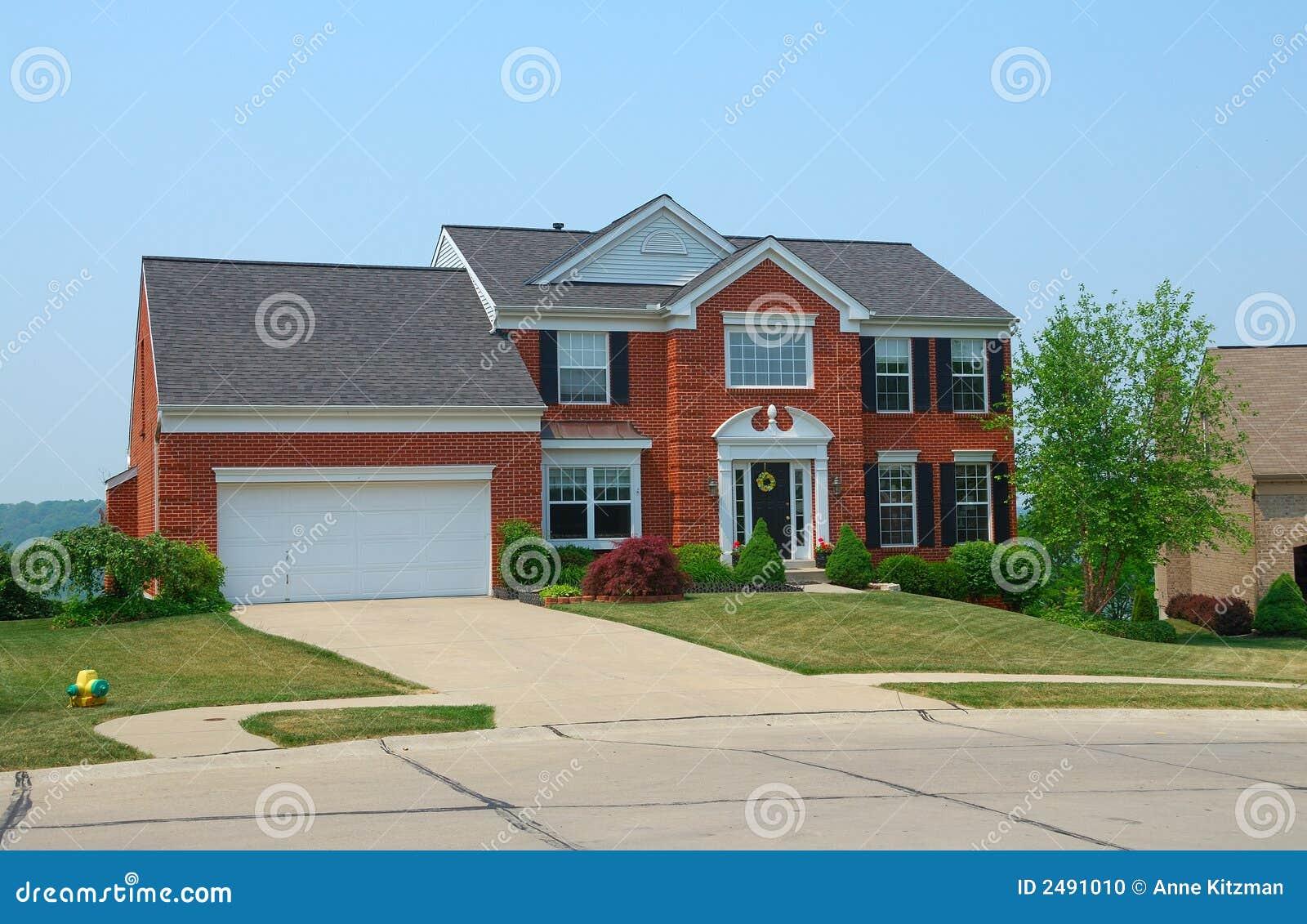 Het woon huis van de 2 verhaalbaksteen stock foto afbeelding 2491010 - Huis van het wereldkantoor newport ...