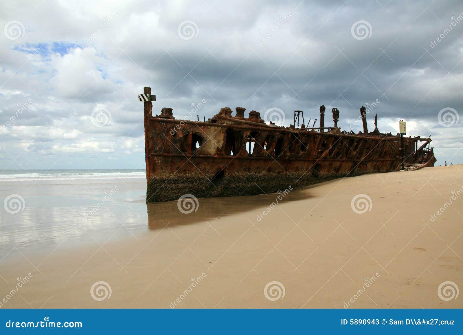 Het Wrak van het Schip van Maheno - Fraser Eiland, Australië