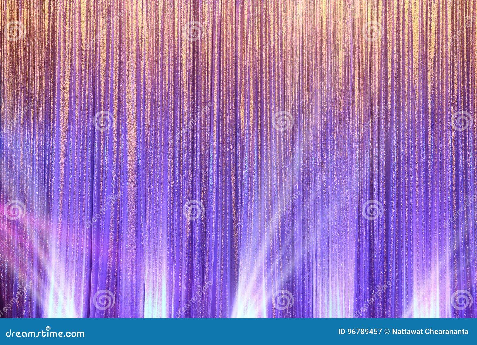 Het zilveren Gordijnscherm drapeert golf en verlichtingsstraal