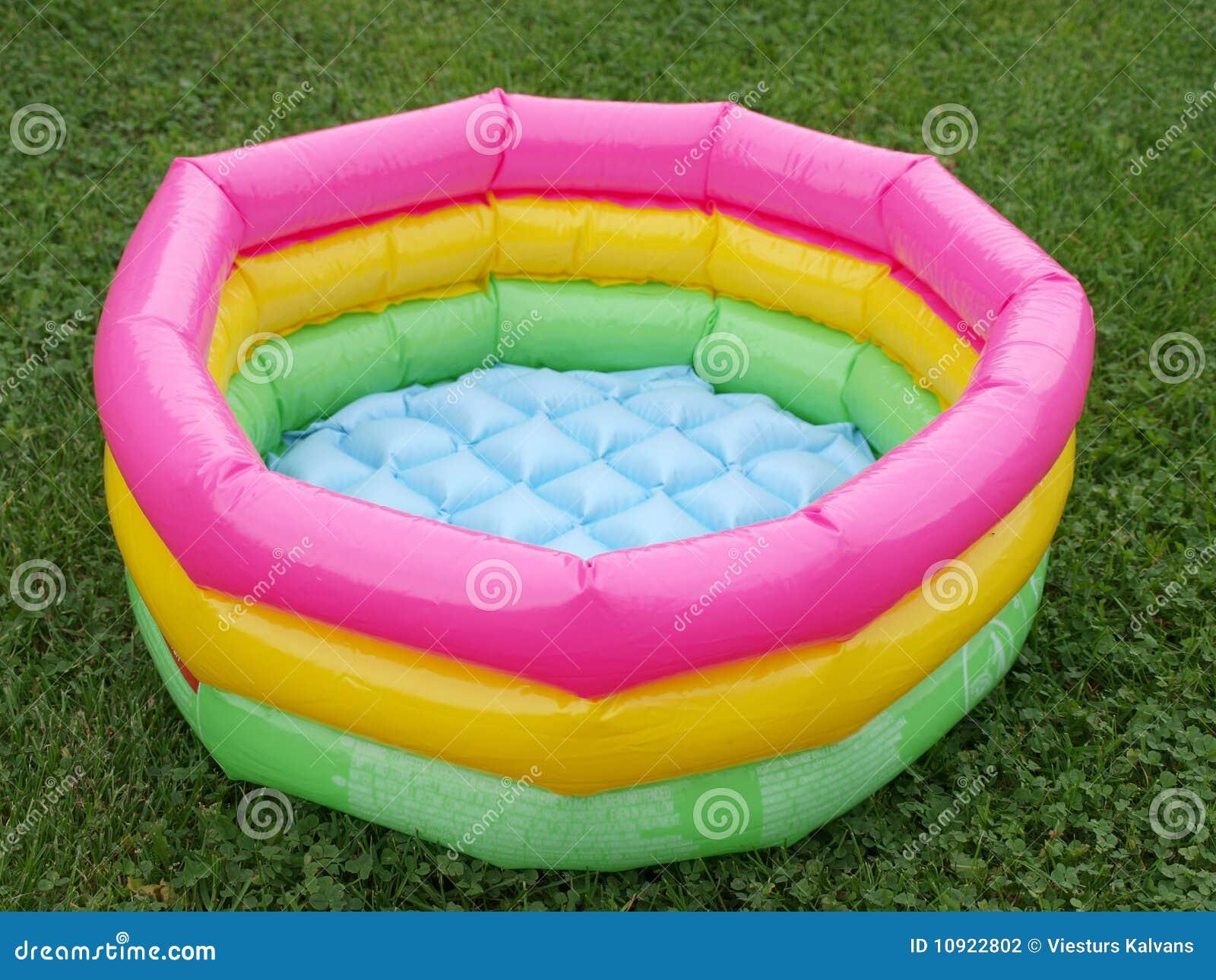 Het zwembad van de baby stock fotografie afbeelding for Zwembad plastic