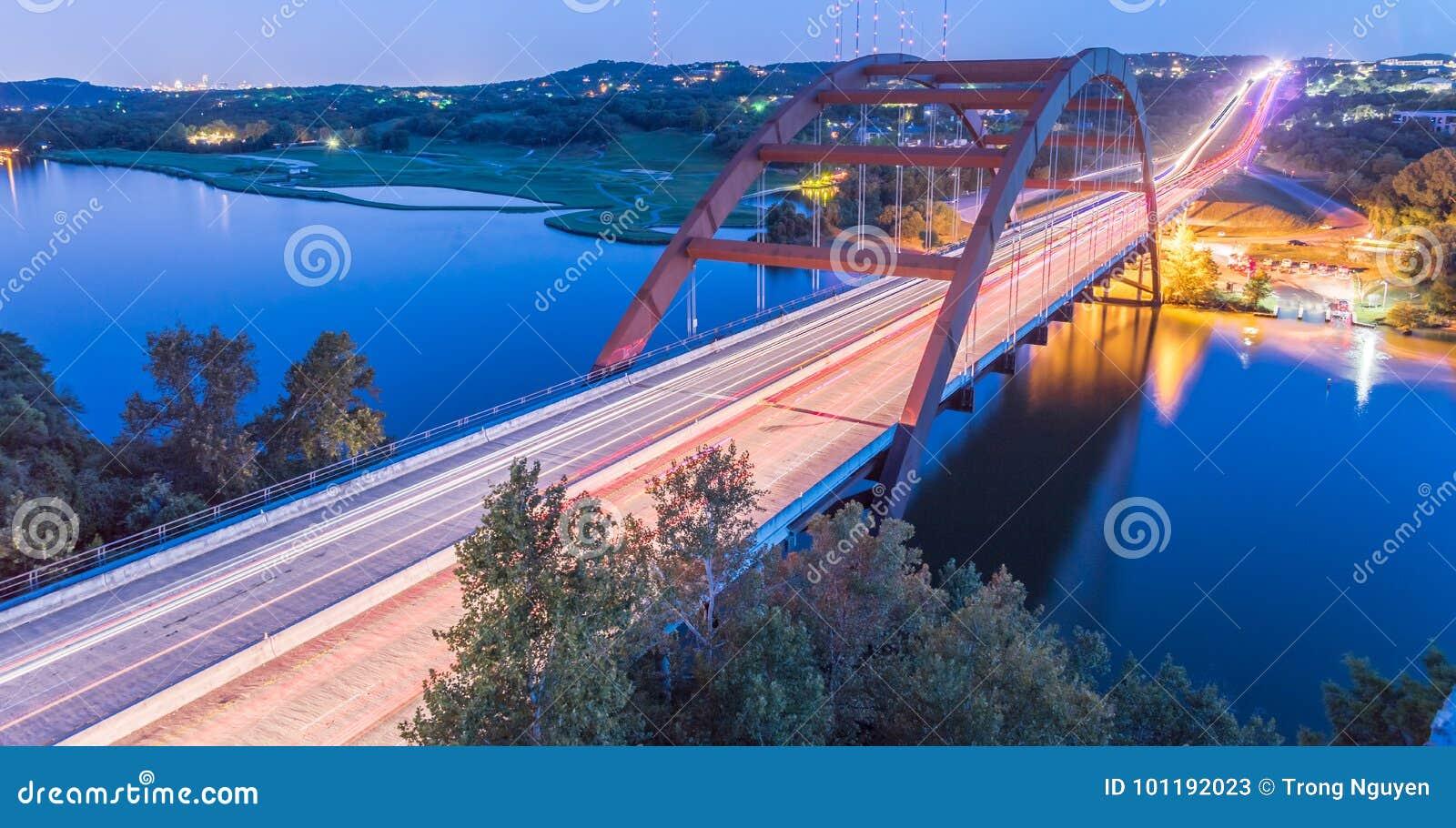 360 heures bleues austin le texas etats unis de pont de pennybacker image stock image du. Black Bedroom Furniture Sets. Home Design Ideas