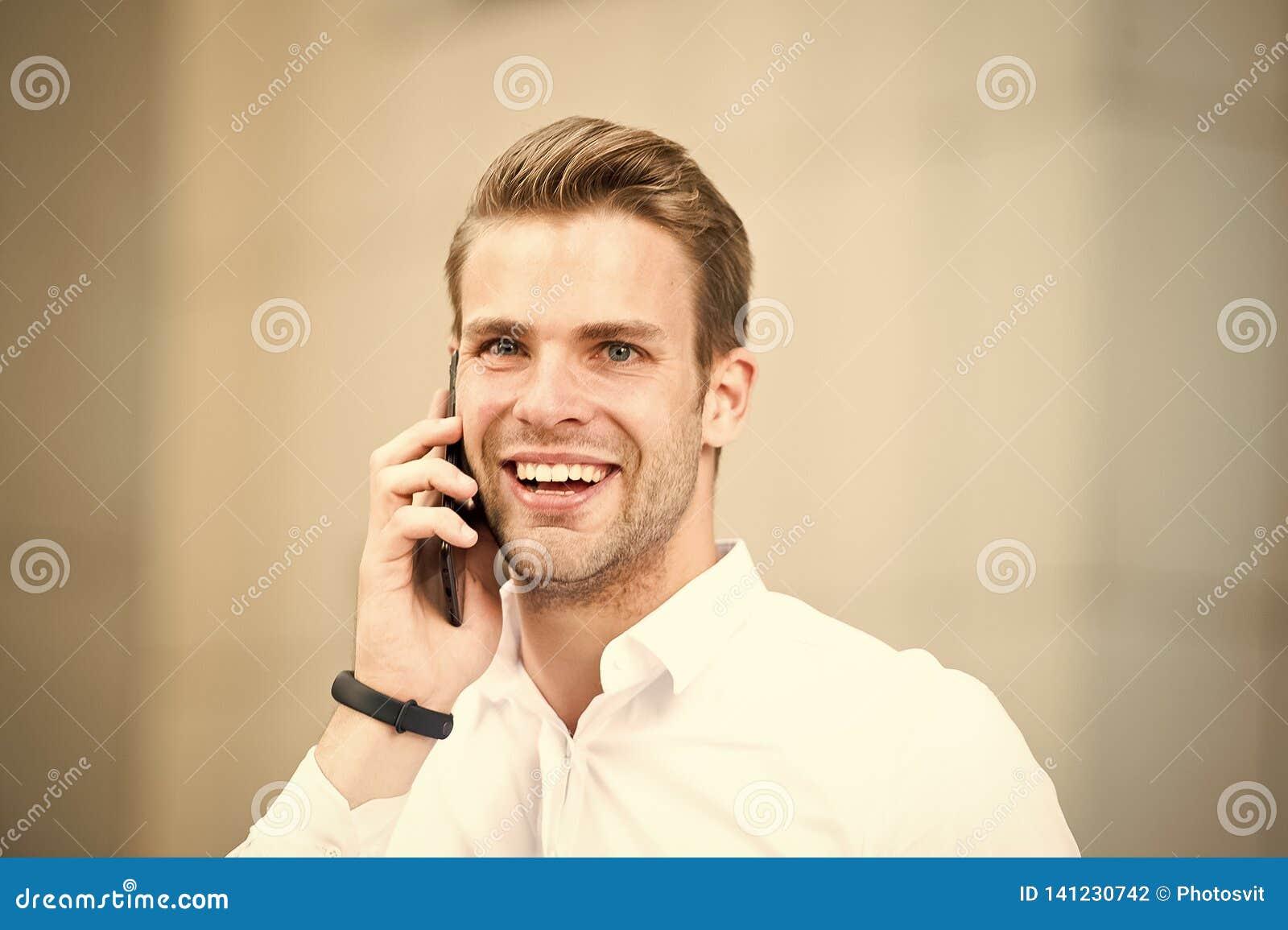 Heureux de vous entendre Passez peu de minutes avant appel pour se recueillir Astuces réussies de conversations téléphoniques Suc