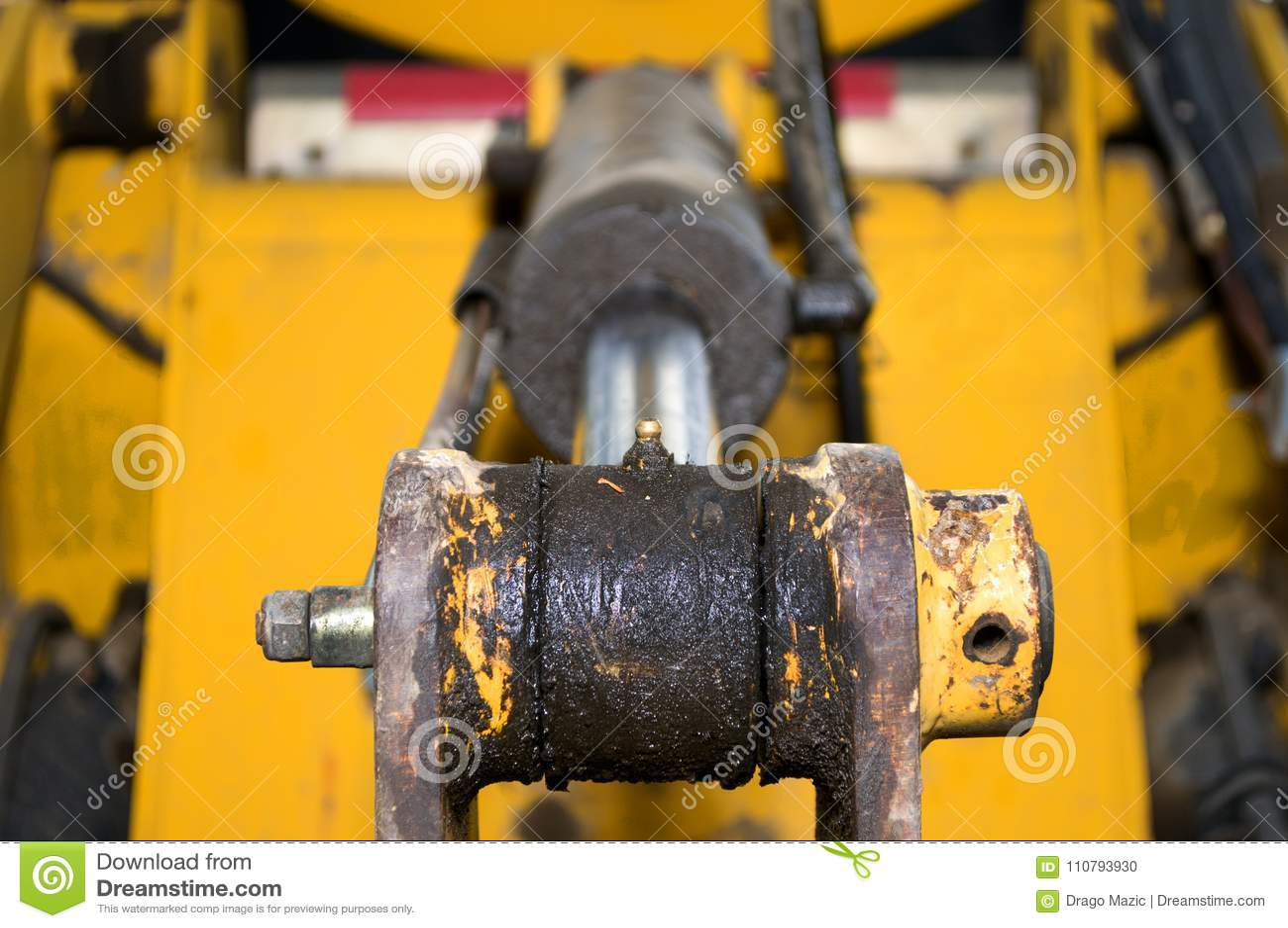 Hidráulica e projeto da máquina escavadora