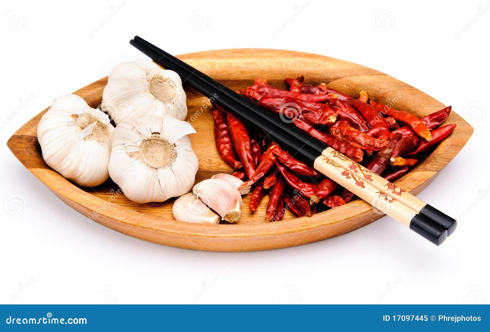 Hiebsteuerknüppel, Paprikafrucht und Knoblauch
