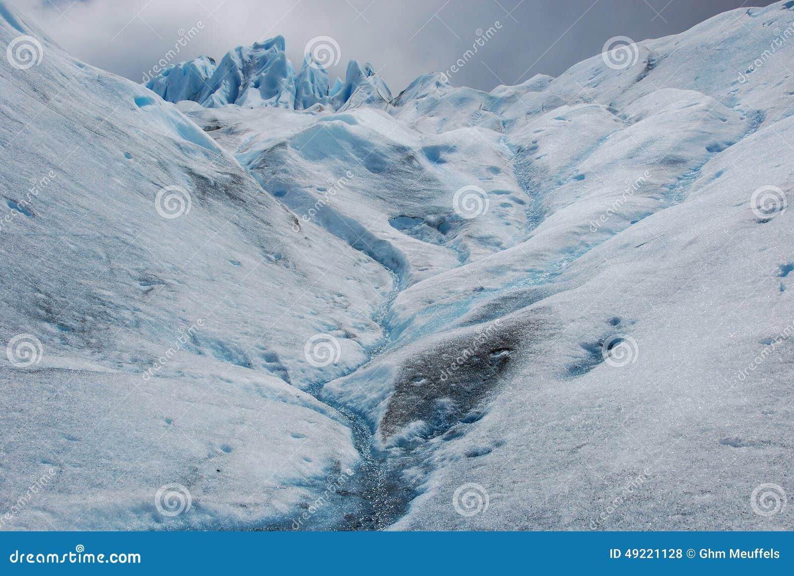 Hielo glacial durante emigrar Perito Moreno Glacier - la Argentina