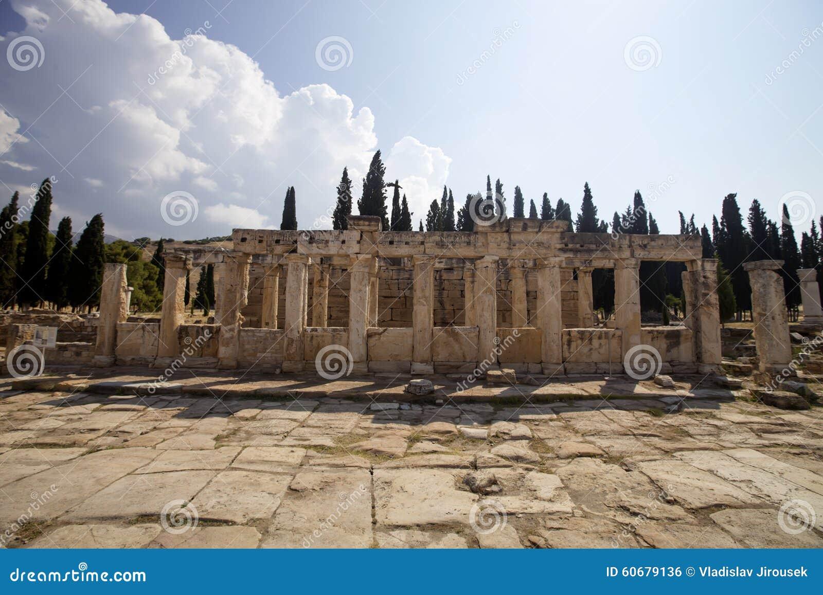 Hierapolis, Турция Старые усыпальницы в некрополе II до столетие XIX