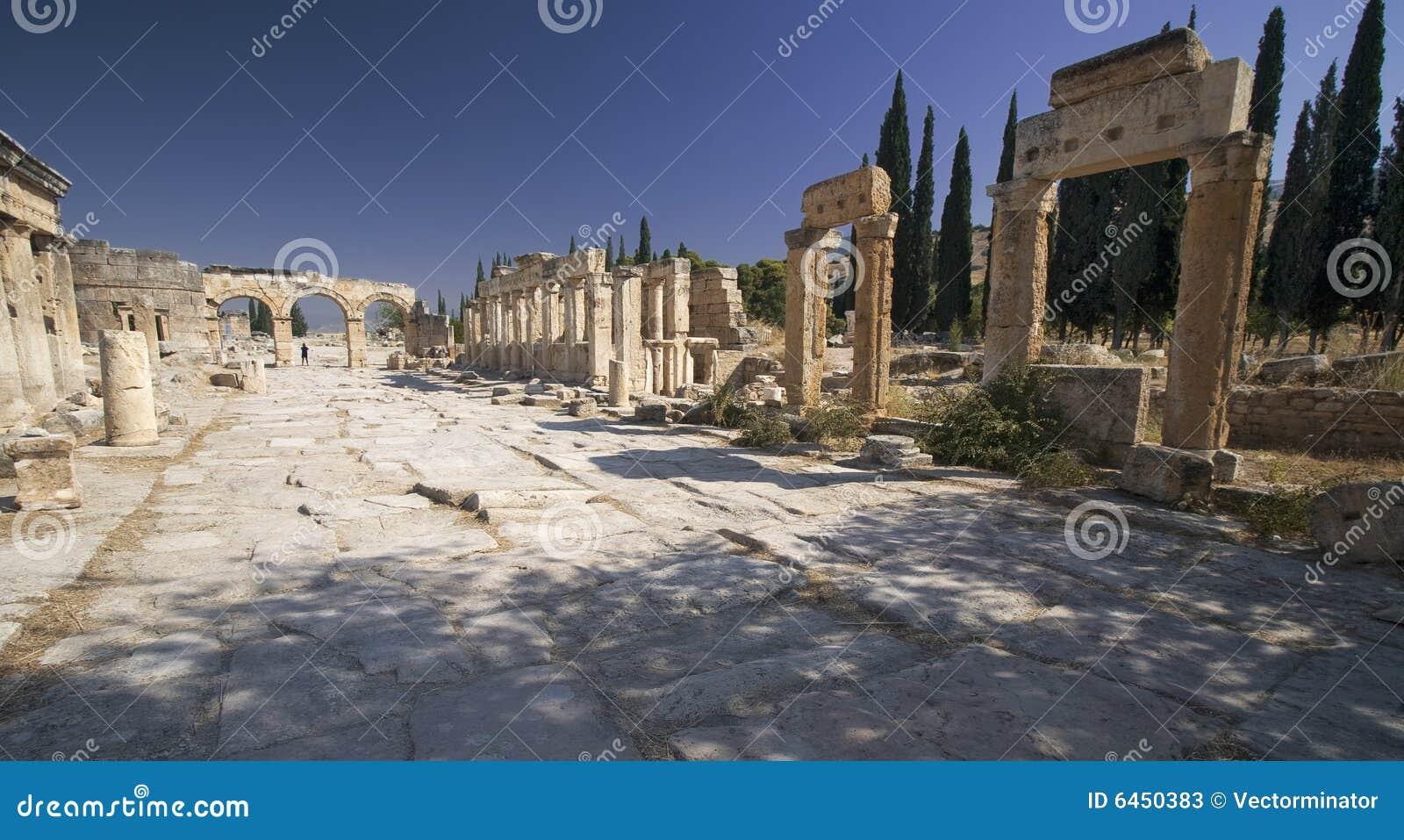 Hierapolis main street