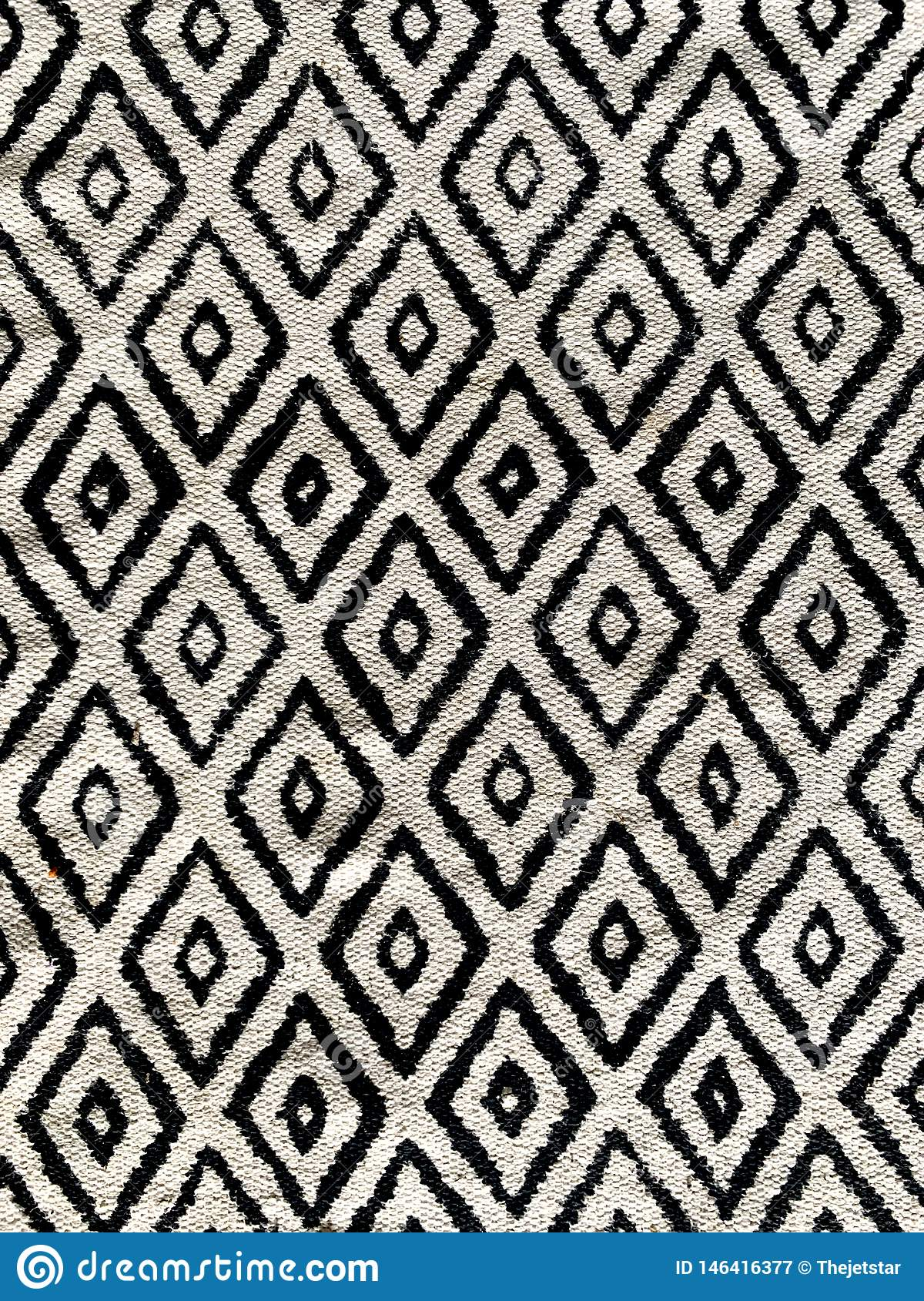 High Contrast Diamond Pattern Black And White Throw Rug