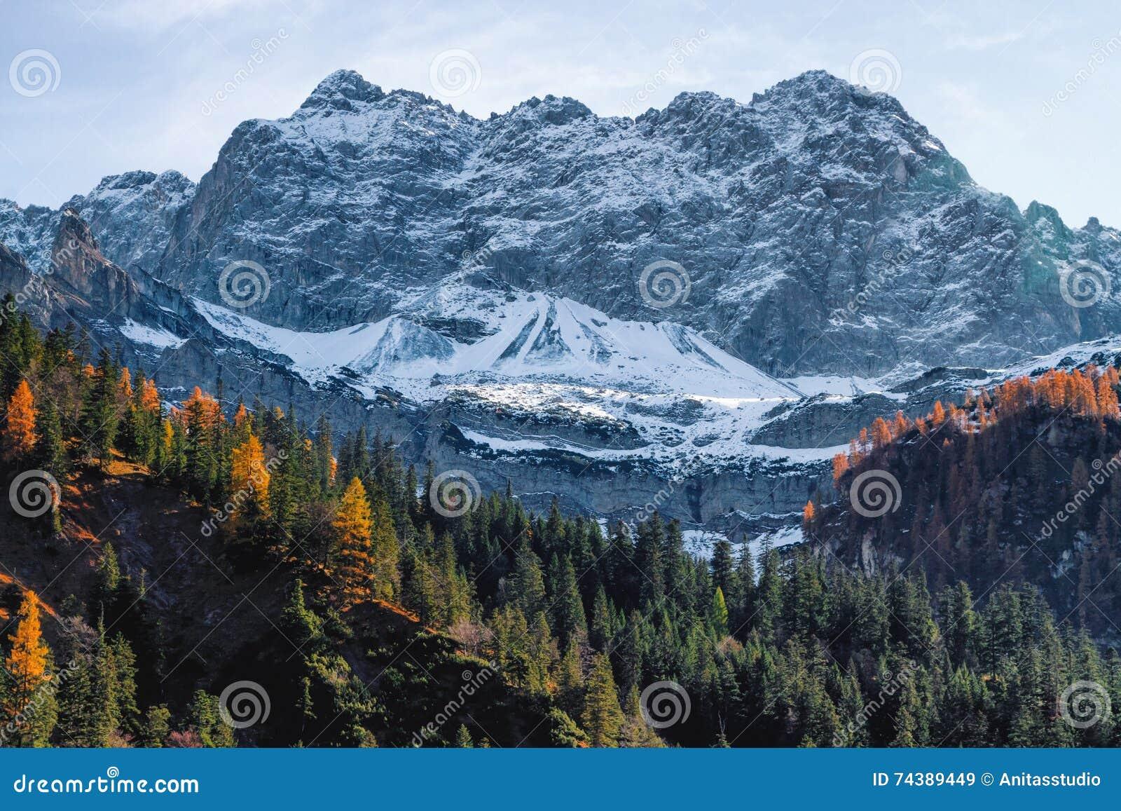 Download Kitzbuhel Mountain View Austria Europe Wallpaper