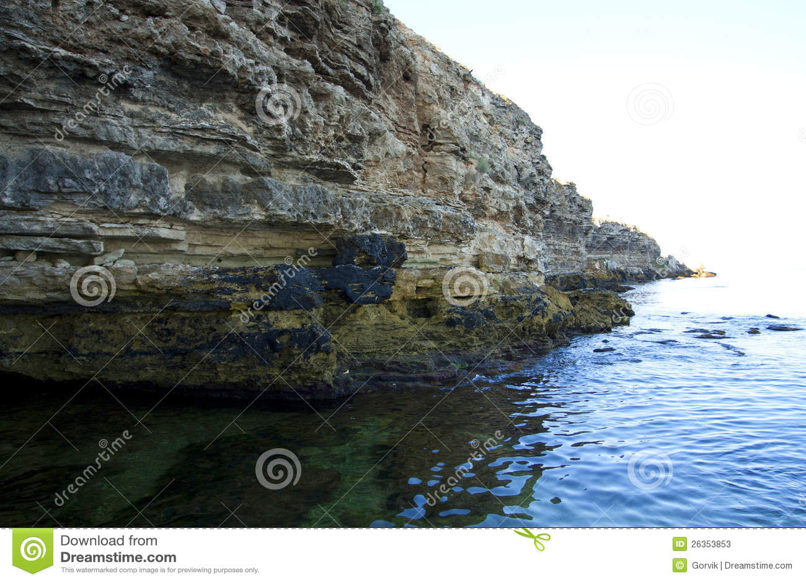 High rocks ashore