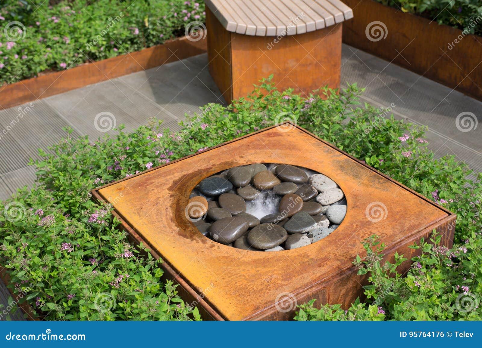 High Tech In Garden Design