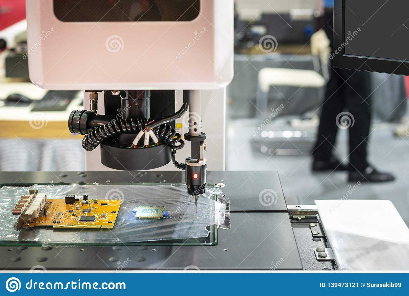 High technology precision visual and measuring machine for quality dimension and shape appearance control in industrial