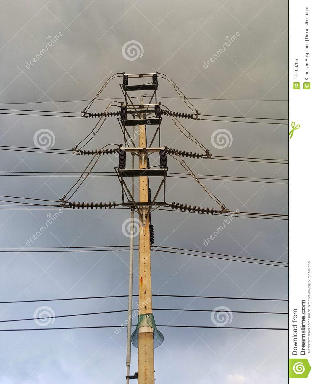 High voltage tower and power cable