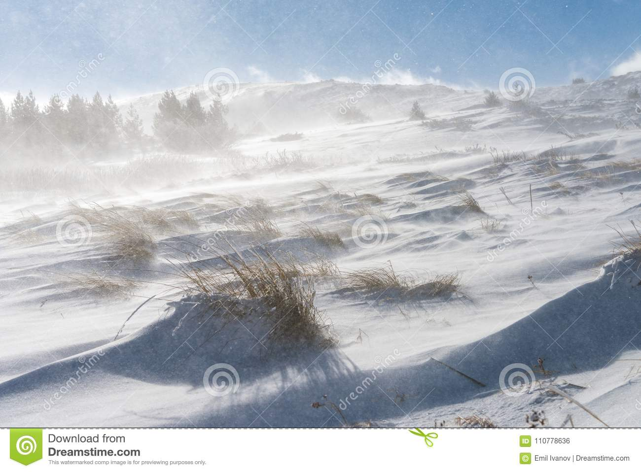 Snow and strong winds cause blizzard conditions on mountains